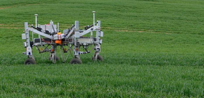 World's first non-chemical robotic weeder showcased at UK farm | Robotics  and Innovation